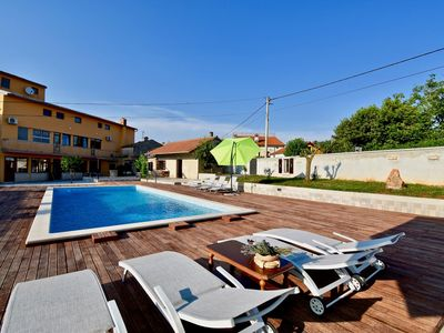 Photo for Holiday apartment with the pool A7 for 2 persons
