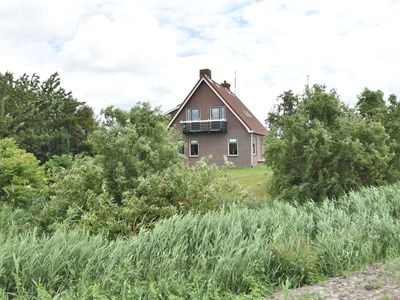 Photo for Group accommodation right on Tjeuke Lake on a farm with an escape room