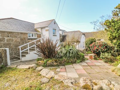 Photo for THE LOFT, family friendly in Porthcurno, Ref 997966