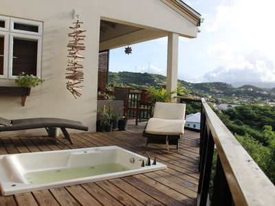 Photo for Artist's House With A Breezy Balcony And Whirlpool Tub.