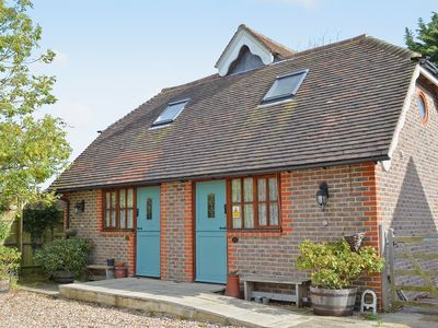 Photo for 2 bedroom accommodation in Beddingham, near Lewes