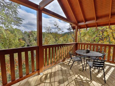 Brand-New Cabin w/ Hot Tub, Theater Room, Pool Table & Decks - Near Dollywood