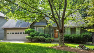 Photo for Alpharetta Family Cottage - Near Avalon With Easy Access To Rt 400
