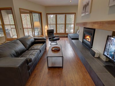 Photo for Quicksilver 1669, 2 queens, FREE shuttle to slopes, indoor pool, hot tub, FREE WIFI by SummitCove Lodging