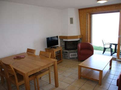 Photo for 1-bedroom apartment , 3*+, for 4-6 people located in the resort centre, 250m from the ski lift. Brig