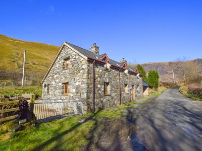 Photo for This is the holiday property of your dreams! Troed yr Aran cottage is located on a quiet lane in a t