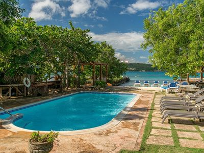 Photo for Luxury 5 Bed Beach Villa in Discovery Bay - Fully Staffed