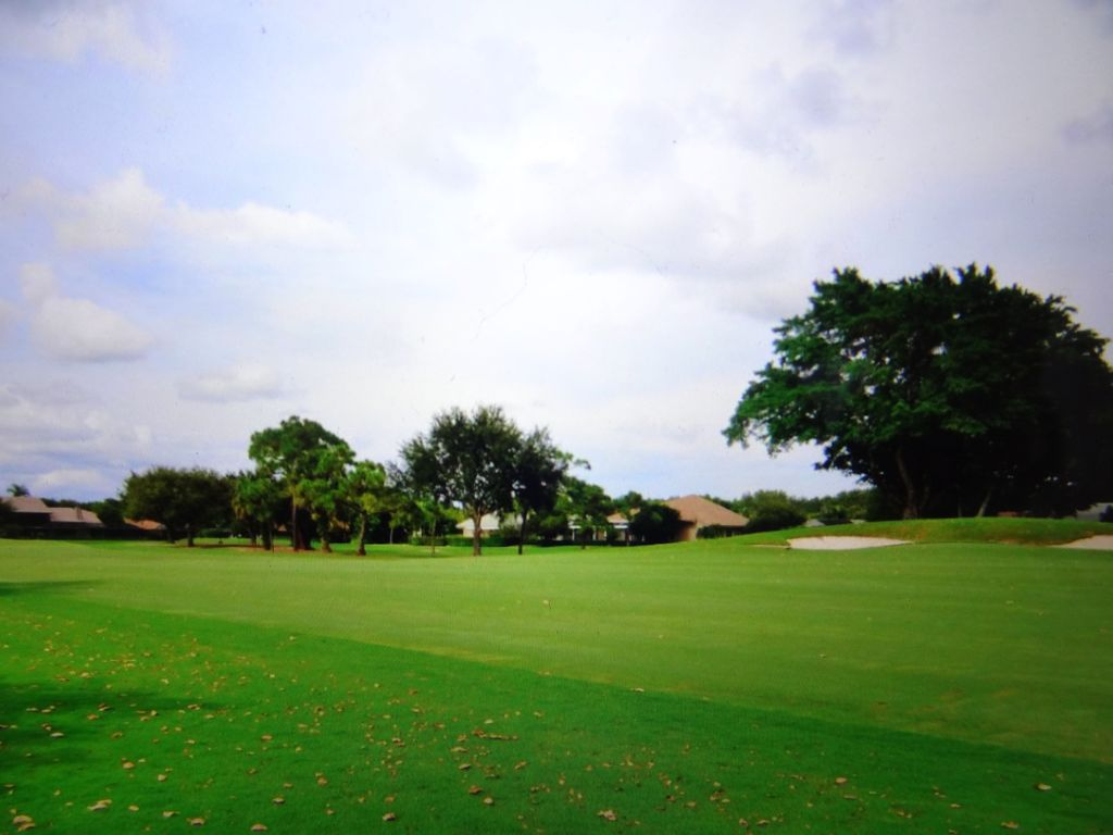 PGA National Palm beach : Right on golf course in PGA National Palm ...