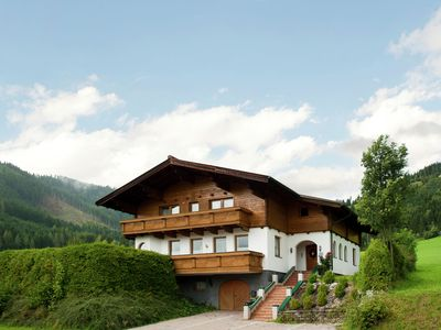 Photo for A large, detached chalet for twenty people in Flachau.
