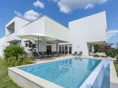 Photo for Beautiful private villa for 8 people with A/C, WIFI, private pool, TV and parking