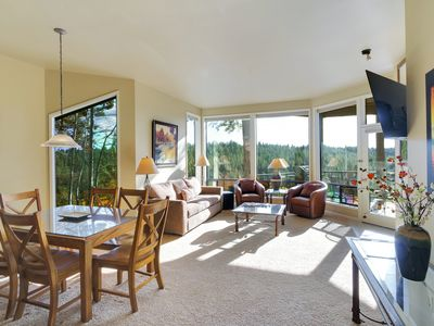 Photo for Enjoy Soaring Deschutes River Views from this Beautifully Appointed One-Bedroom