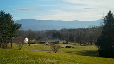 Photo for New UPDATED mountain view home in Luray, near caverns, river, wineries & more