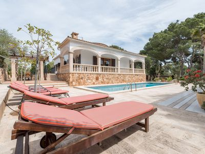 Photo for Luxurious villa with pool - Villa Torre