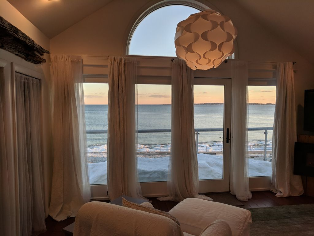 Oceanfront Loft Apartment - HomeAway Swampscott