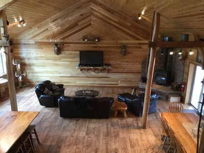 LODGE GREAT FAMILY ROOM