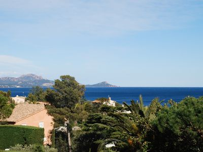 Photo for Villa 3 bedrooms, large garden, beautiful sea view. Beaches and shops 5 minutes walk