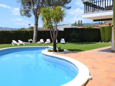 Photo for Villa with private pool, garden, sea views and wifi