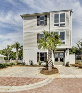 Photo for 35 Blue Coast, Steps to Private Beach Access, Gulf Views, Pool, + Free Bikes