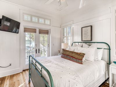 Photo for NEW LISTING: Phase 1 Carriage House Apartment, near Gulf