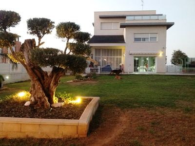 Photo for Modern villa with spa, indoor pool, WiFi, near the beach