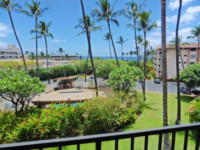 Aloha-inducing palm trees, hibiscus, plumerias... and ocean view from your lanai