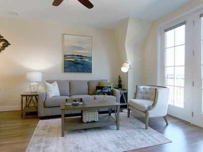 Photo for Close to Airport, Old Town Alexandria, with Rooftop Patio, Balcony, Gym