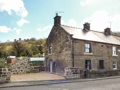 Photo for ROSE COTTAGE, family friendly in Matlock Bath, Ref 933822