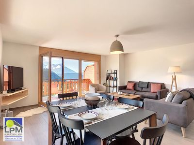 Photo for Domaine du Parc B311 Lovely prestige apartment of 4 ½ pieces (6 people) situated on the third floor