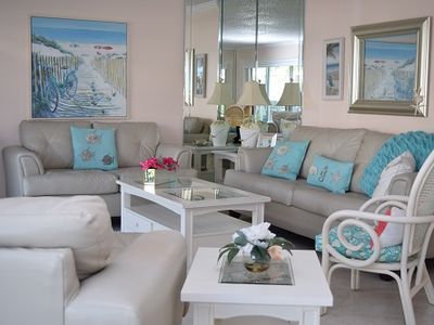 Photo for Sanibel Siesta on the Beach unit 404