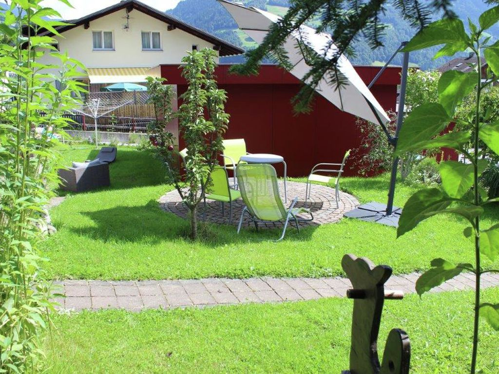 elisabeth cosy child friendly property with a surrounding