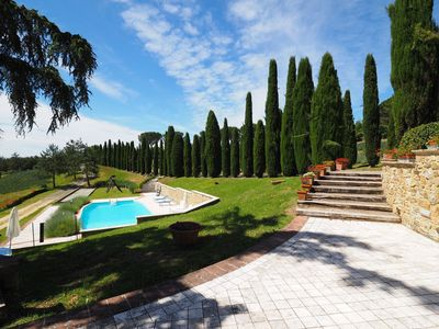 Photo for Lovely apartment for 6 people with WIFI, pool, panoramic view and parking, close to San Gimignano
