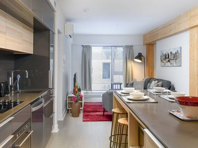 Photo for Amazing 1BR Condo in Griffintown - Sleeps 4!