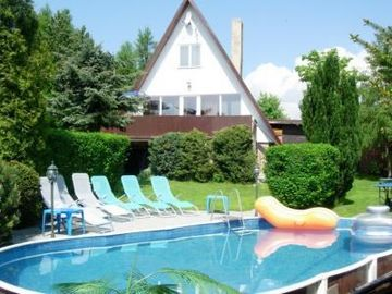 Holiday house Svahova with fireplace, sauna, tennis court, jacuzzi and outdoor pool