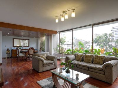 Photo for Comfortable & Central 3-BDR apart in San Isidro, Lima (10 min from the ocean)
