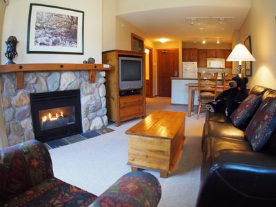 Photo for 1 bedroom apartment in village centre, ski in/out