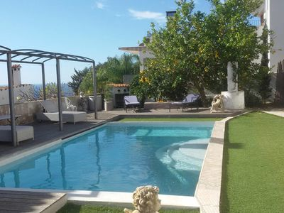 Photo for Little bungalow with pool and sea view – Pool House
