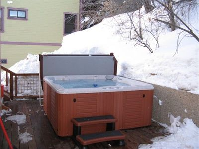 Private outdoor hot tub!