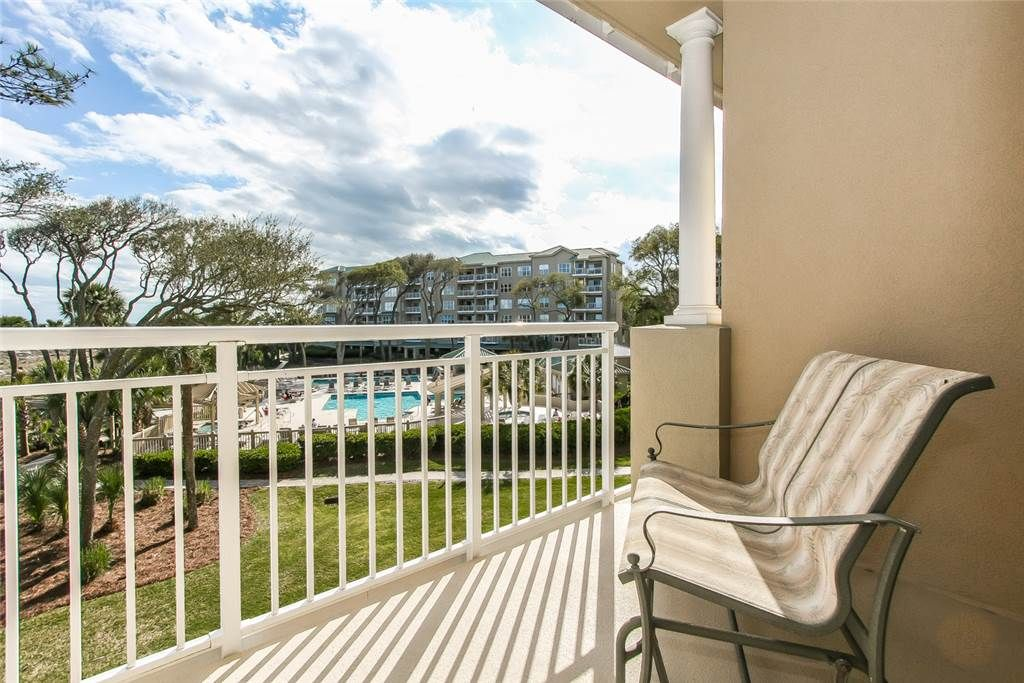 Beautiful 3 Bedroom Condo With Ocean Views From Every Bedroom And An Oceanfront Complex Pool