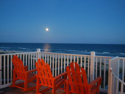 Photo for Great location, Hot Tub, Gameroom, Bikes, 3 Master Suites, Dogs OK, On the Beach