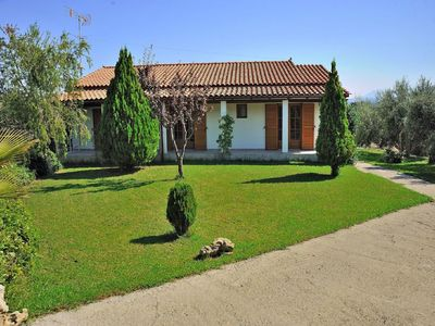 Photo for Wonderful private villa for 8 guests with A/C, pool, WIFI, TV, balcony and parking