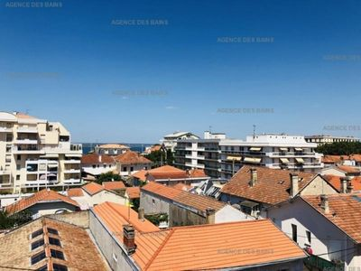 Photo for Apartment Arcachon, 1 room, 3 persons