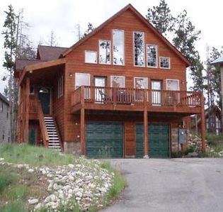 Photo for Sunset Chalet - 3Bed/2Bath - Sleeps up to 12