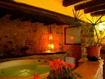 Photo for Rural apartment Les Cavallerisses for 4 people with jacuzzi