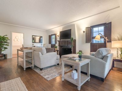 Photo for Gorgeous Remodeled 2BR Private House w/ Garden, Parking. Great Location