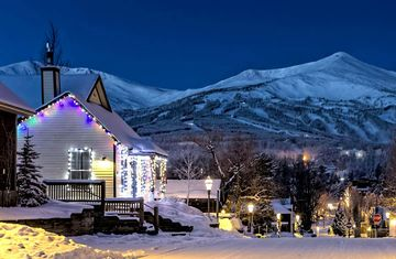 Walk everywhere!  Smack Dab in the Middle of Breck! Historic house in downtown Breck!