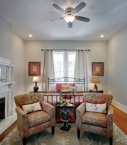 Photo for 416A Waldburg st · Newly Renovated 1920's Historic District Apt