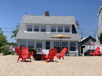 4BR Beach Cottage sits on private beach.  Sleeps 12 with comfort, Outdoor grill