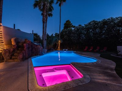 Photo for Close to the Strip! Rock Waterslide, Gameroom! Large private yard
