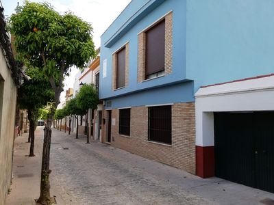 Photo for 2 bedrooms, 2 bathrooms and patio 6 km from the center of Seville