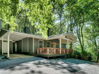 Photo for Cute Mountain House in Highlands, NC - 3 bedroom 3 bath